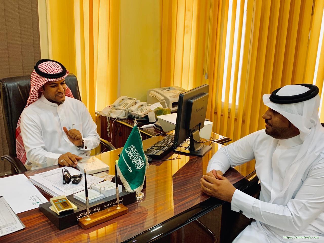 سفير النوايا الحسنة والعدالة والسلام د. عبدالله البطيّان يحط بالمكتبة العامة بالهفوف
