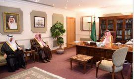 سمو الأمير بدر بن محمد يستقبل مدير تعليم الأحساء