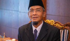 مفتي كمبوديا: أكد أن قرار المملكة بالحج لم يكن وليداً جديداً في صفحات التاريخ بل وقد حدث قبل أكثر من أربعين مرة في تاريخ المسلمين