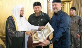 في خطاب تأييد لقرار الحج تلقاه آل الشيخ  مستشار الرئيس الشيشاني السعودية جعلت سلامة وأمن الحجاج من الأولويات وقرار الحج امتداد لجهودها الرشيدة